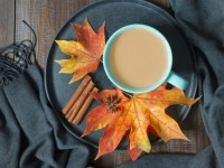 Собирать пазл Кофе и листья онлайн