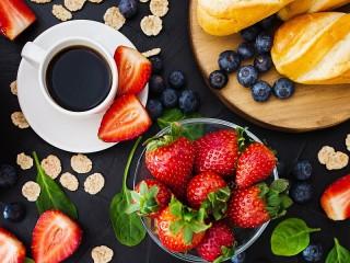 Собирать пазл Кофе и ягоды онлайн
