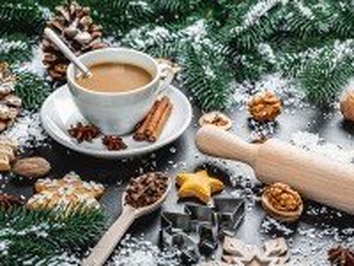 Собирать пазл Кофе среди веток онлайн