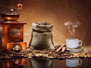 Собирать пазл Кофе в отражении онлайн