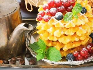 Собирать пазл Кофейник и вафли онлайн