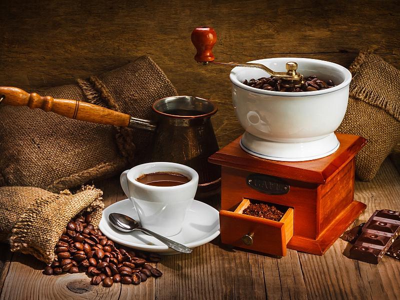 Пазл Собирать пазлы онлайн - Кофемолка и турка