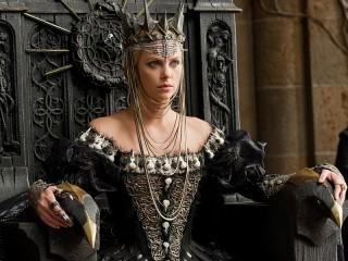 Собирать пазл Королева онлайн