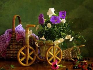 Собирать пазл Корзинки цветочки онлайн
