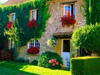 Собирать пазл Красивый дом онлайн
