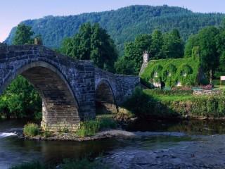 Собирать пазл Красивый мост онлайн