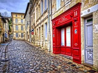 Собирать пазл Красная дверь онлайн