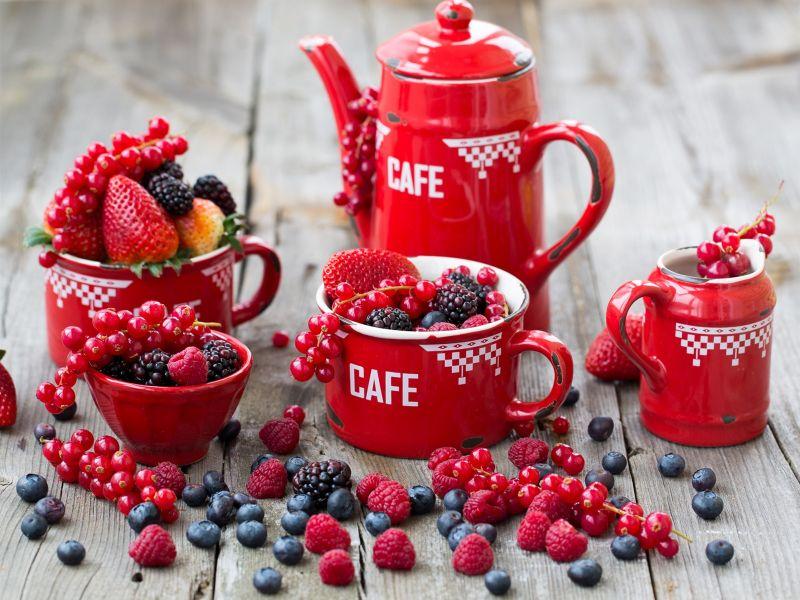 Пазл Собирать пазлы онлайн - Красная посуда