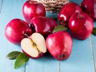 Собирать пазл Красные яблоки онлайн