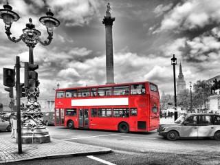 Собирать пазл Красный автобус онлайн