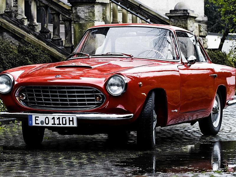 Пазл Собирать пазлы онлайн - Красный автомобиль