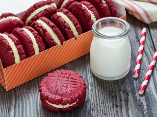 Собирать пазл Красное печенье онлайн