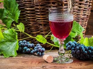 Собирать пазл Красное вино онлайн