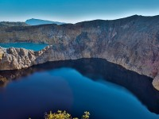 Собирать пазл Кратерное озеро онлайн
