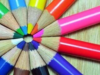 Собирать пазл Круг карандашей онлайн
