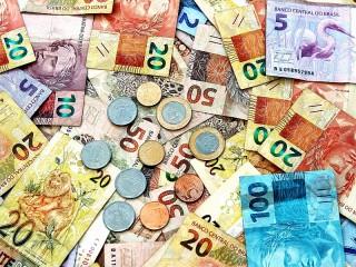 Собирать пазл Купюры и монеты онлайн