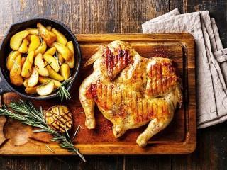 Собирать пазл Курица и картошка онлайн