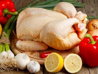 Собирать пазл Курица и овощи онлайн