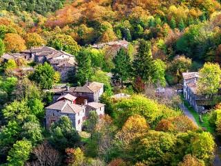 Собирать пазл Ле Эстрече Франция онлайн