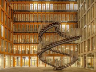 Собирать пазл Лестница в никуда онлайн