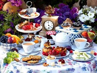 Собирать пазл Летнее чаепитие онлайн