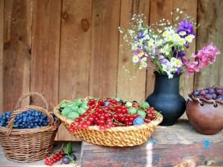 Собирать пазл Летние ягоды онлайн