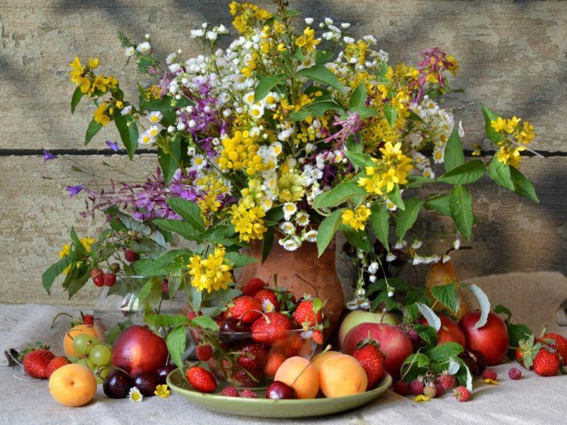 Пазл Собирать пазлы онлайн - Летний букет и фрукты