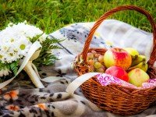 Собирать пазл Летний пикник онлайн