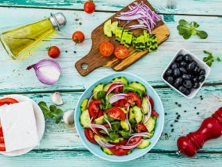 Собирать пазл Летний салат онлайн