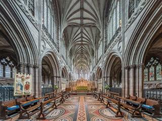 Собирать пазл Личфилдский собор онлайн