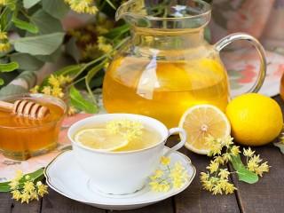 Собирать пазл Липовый чай с медом онлайн