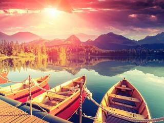Собирать пазл Лодки на озере онлайн