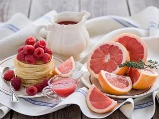 Собирать пазл Малина и грейпфрут онлайн