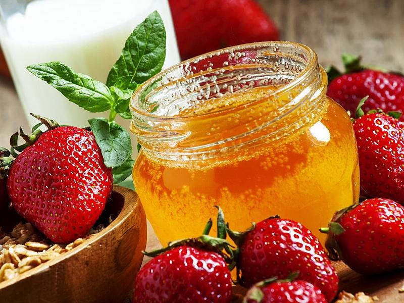 Пазл Собирать пазлы онлайн - Мед и клубника