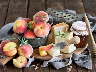 Собирать пазл Медовые персики онлайн