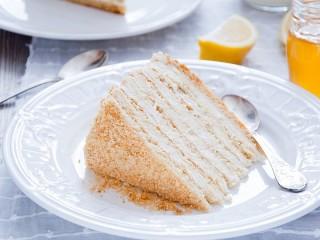Собирать пазл Медовый торт онлайн