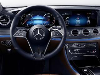 Собирать пазл Mercedes-Benz онлайн