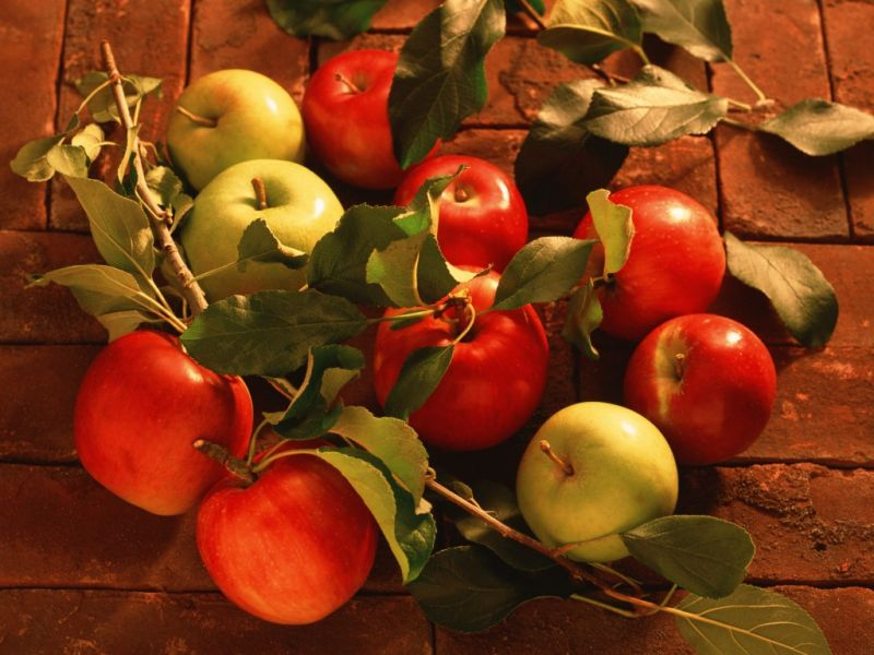Пазл Собирать пазлы онлайн - Молодильные яблочки