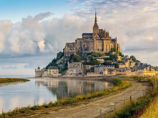 Собирать пазл Мон-Сен-Мишель онлайн