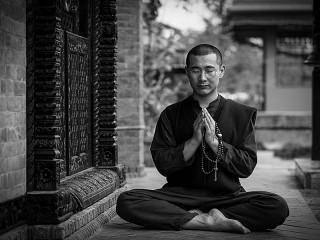 Собирать пазл Монах онлайн