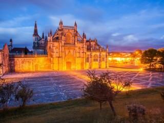 Собирать пазл Монастырь Баталья онлайн