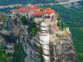 Собирать пазл Монастыри Метеоры онлайн