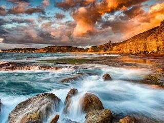 Собирать пазл Море и скалы онлайн