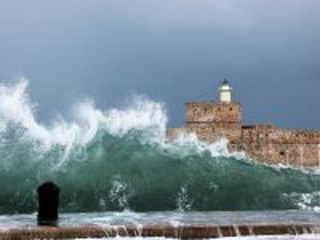 Собирать пазл Море крепость онлайн