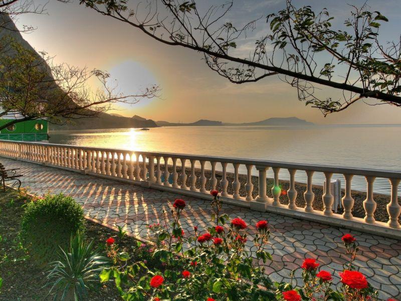 Пазл Собирать пазлы онлайн - Море солнце розы