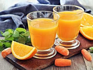 Собирать пазл Морковно-апельсиновый сок онлайн