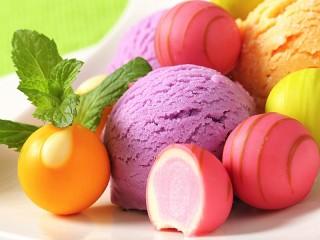 Собирать пазл Мороженое и конфеты онлайн