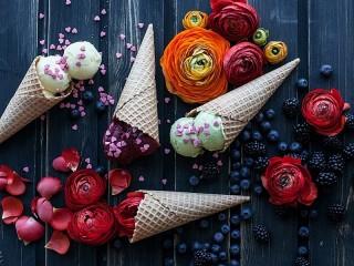 Собирать пазл Мороженое и цветы онлайн