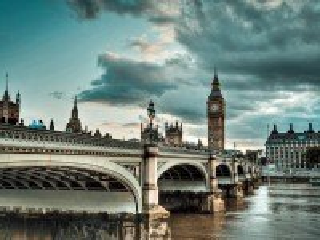 Собирать пазл Мост через Темзу онлайн
