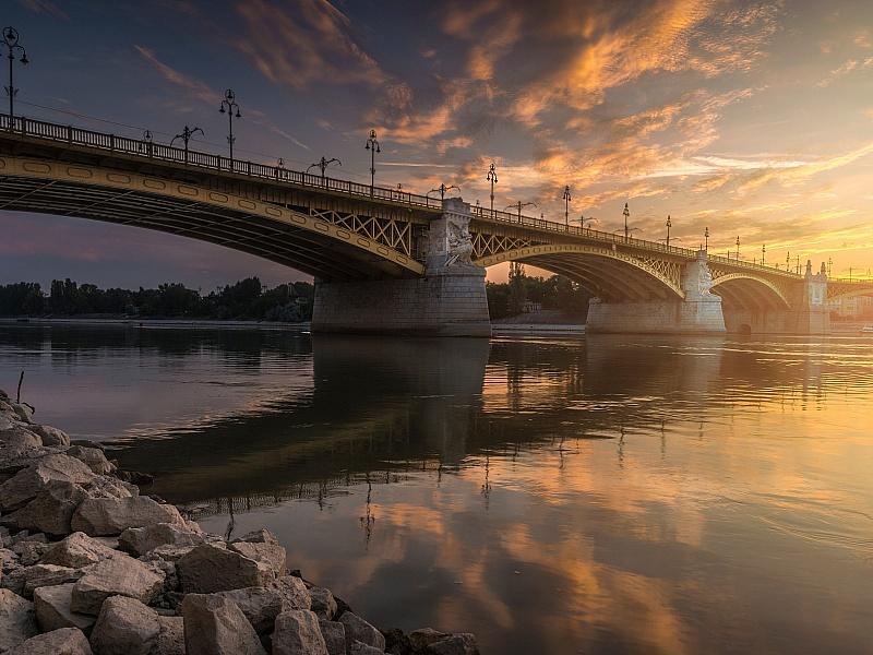 Пазл Собирать пазлы онлайн - Мост в Будапеште
